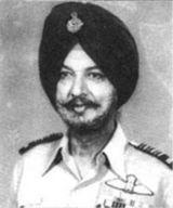 Dilbagh Singh (aviator)