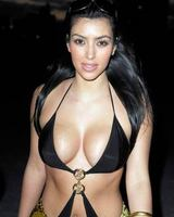 kim kardashian hot bikini photos